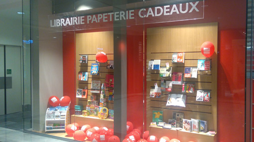 Devanture Librairie Decitre Levallois-Perret So Ouest