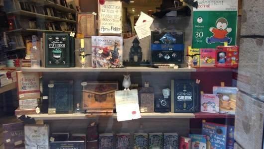 Vitrine librairie Decitre Grenoble